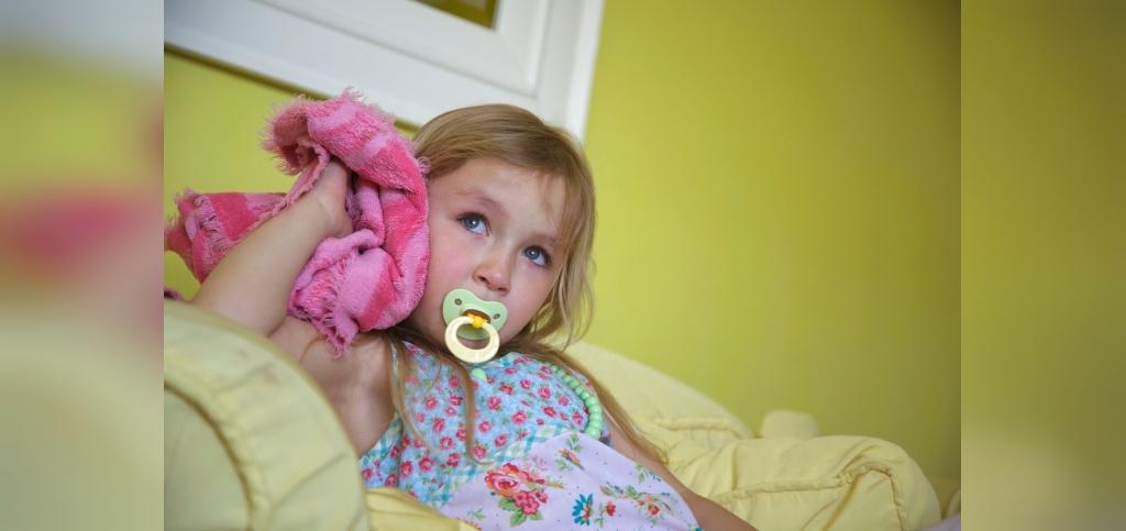 مضرات استفاده از پستانک در نوزادان