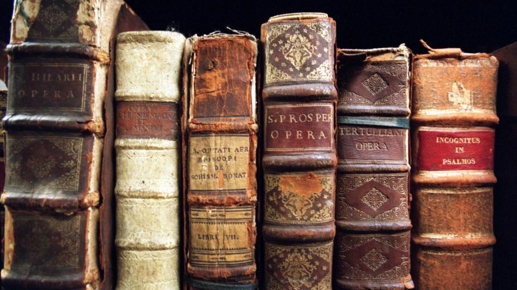 آشنایی با مکتب های ادبی جهان