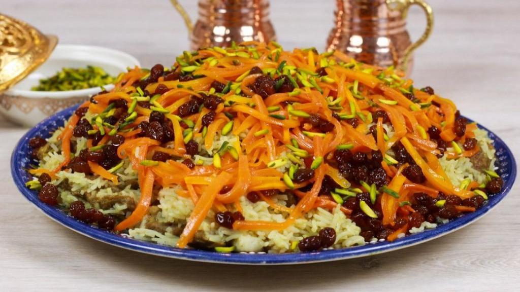 طرز تهیه قابلی پلو مجلسی و خوشمزه با گوشت به سبک افغانستان
