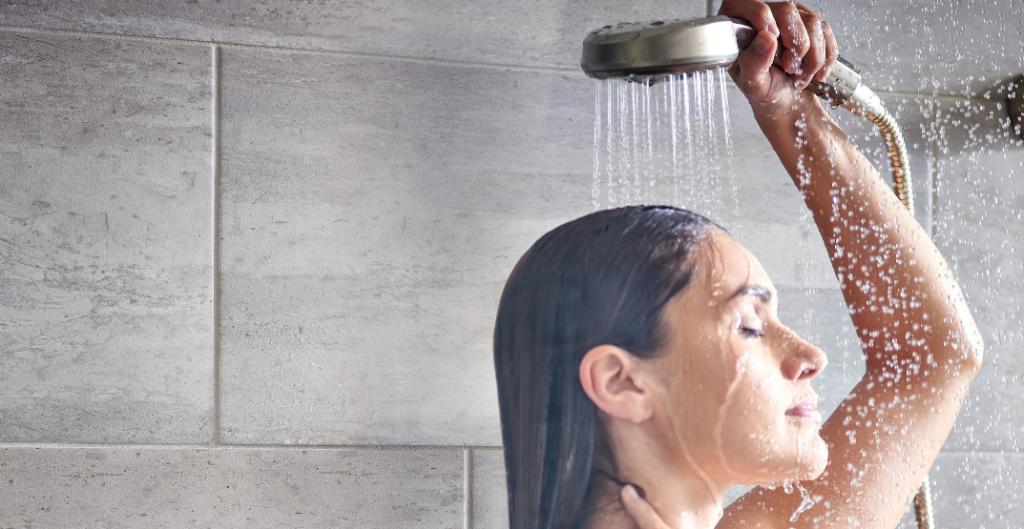 دمای مناسب آب برای حمام کردن در بارداری