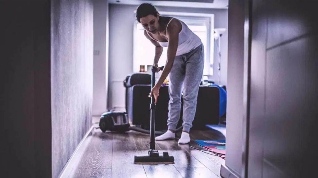 روش هایی برای جلوگیری از آسیب دیدگی در زمان خانه تکانی