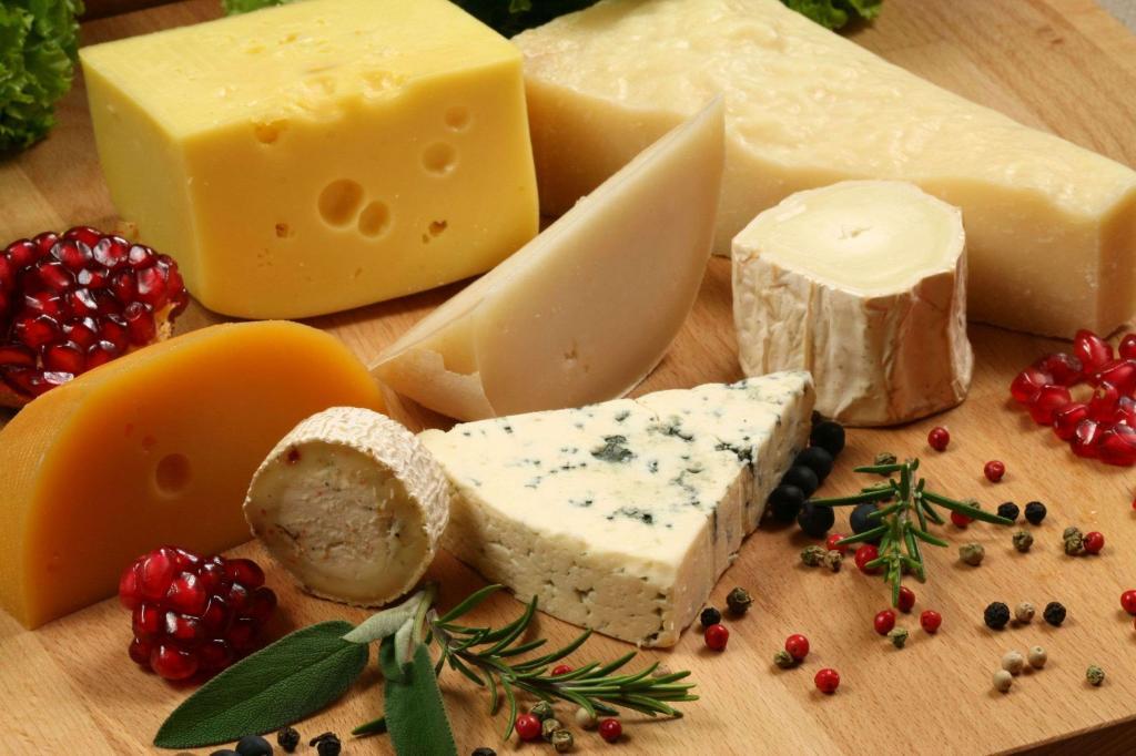 از غذاهای مجاز رژیم کتو: پنیر