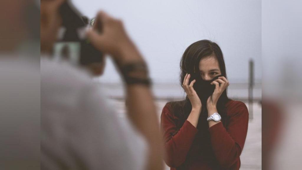 خجالتی بودن چه تاثیری بر روابط فرد دارد و چگونه می توان دیگر خجالتی نبود؟