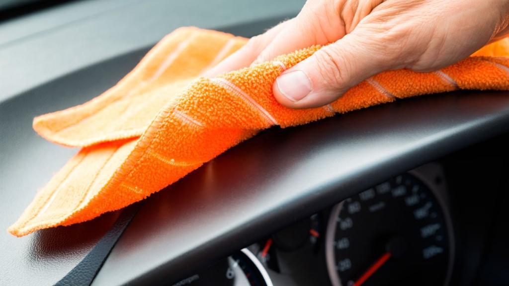 واکس خانگی ارزان و مؤثر برای تمیز کردن داشبورد اتومبیل