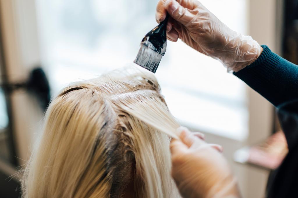 بهترین زمان رنگ کردن موها در دوره  پریودی