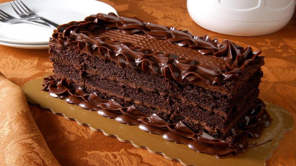 طرز تهیه کیک شکلاتی مخصوص خانگی خوشمزه و مجلسی مرحله به مرحله