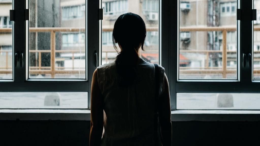اختلال تنها هراسی یا ترس از تنها شدن چیست و راه مقابله با آن