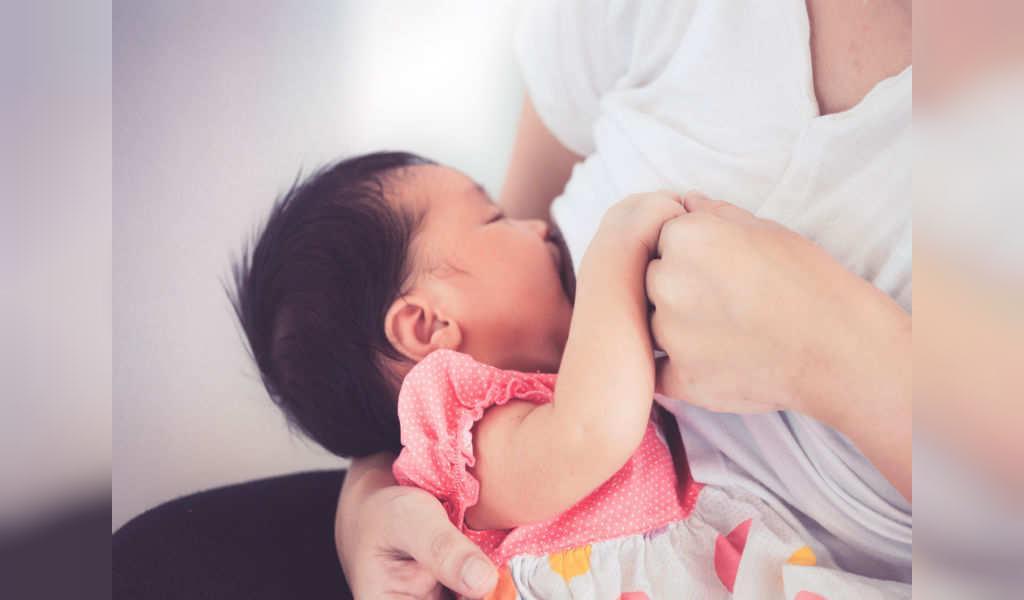 عوارض استفاده از عطر در دوران شیردهی