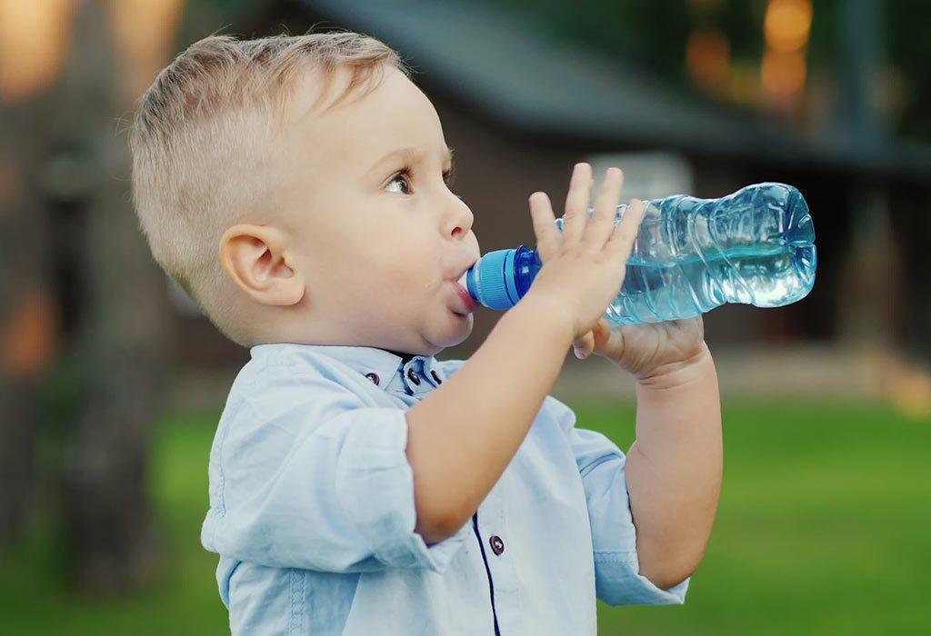 علایم کمبود آب بدن در کودکان و نوزادان