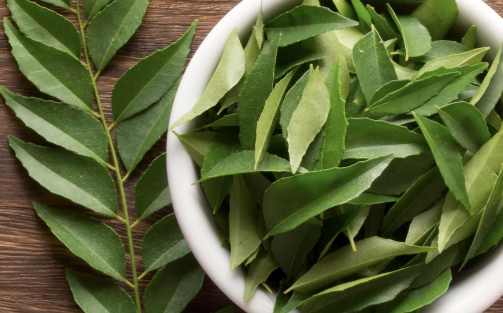 برگ درخت کاری به عنوان روشی برای برطرف کردن سفیدی موها