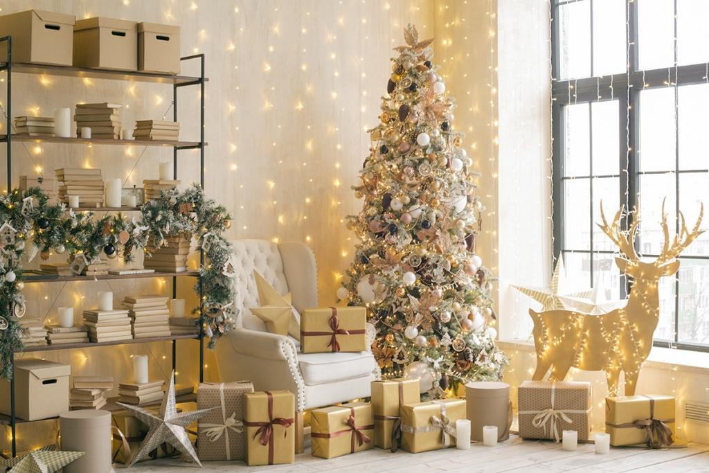 عکس وسایل تزیین درخت کریسمس در خانه