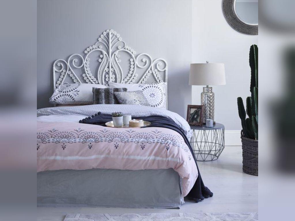 ایجاد فضایی لطیف برای اتاق خواب صورتی خاکستری