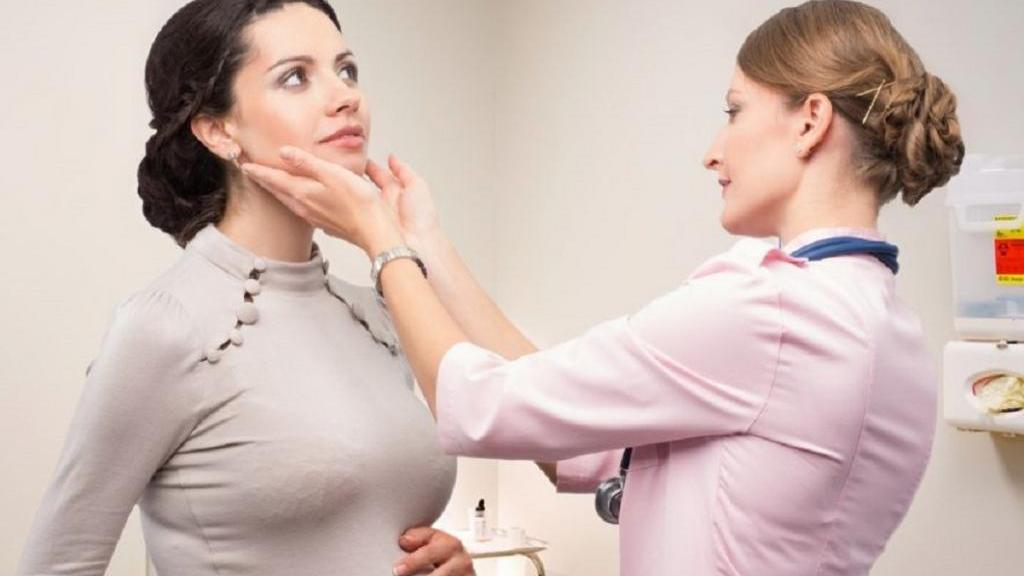 کم کاری تیروئید در دوران بارداری: علائم، عوارض، راه درمان و پیشگیری از آن