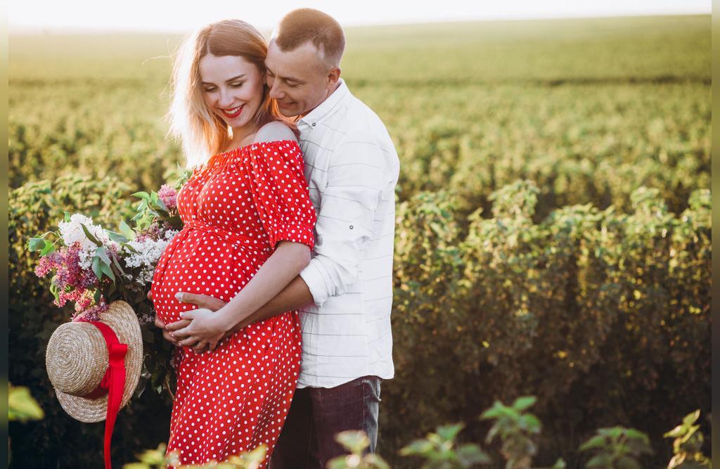 پوز عکس بارداری جدید دونفره