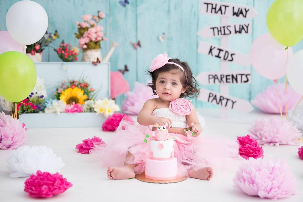 ژست عکس تولد نوزاد دختر فانتزی