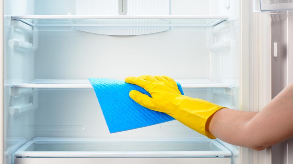 تمیز کردن یخچال با جوش شیرین