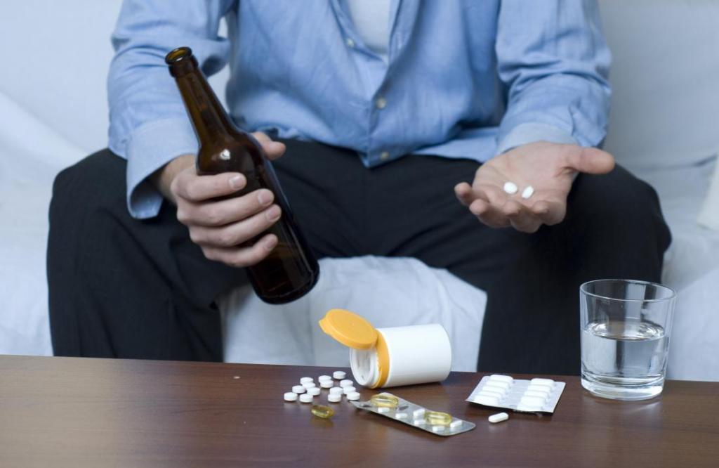 تداخل استامینوفن با الکل