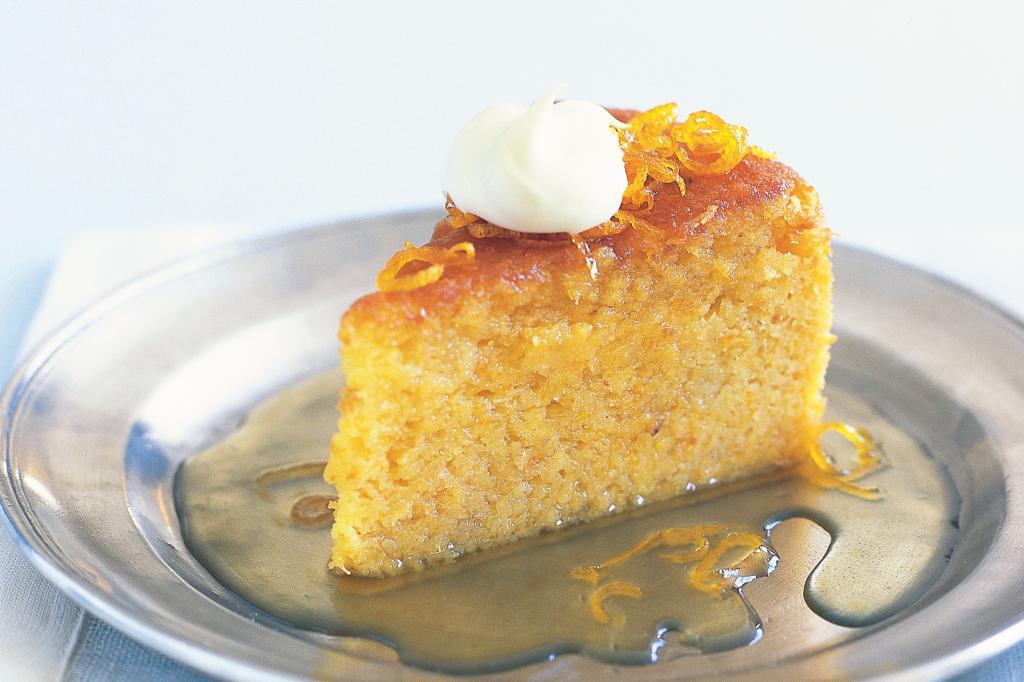 طرز تهیه کیک باقلوا شربتی خوشمزه با ماست