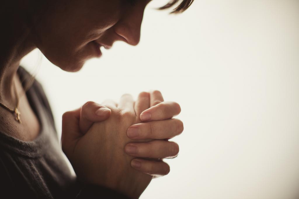 آداب دعا کردن برای حاجت گرفتن سریع