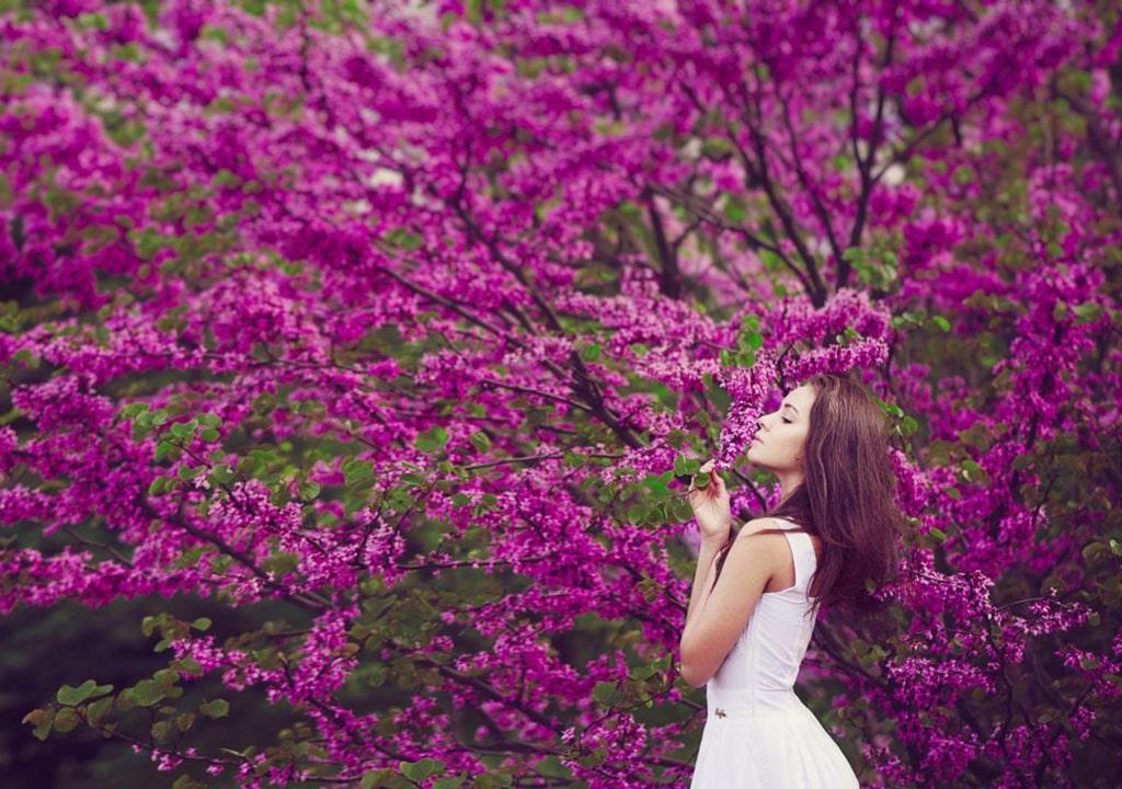 عکس زن در فصل بهار