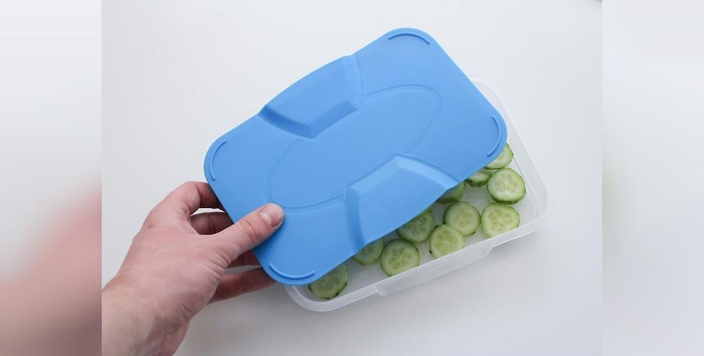 خیار را در ظروف فریزر ذخیره کنید