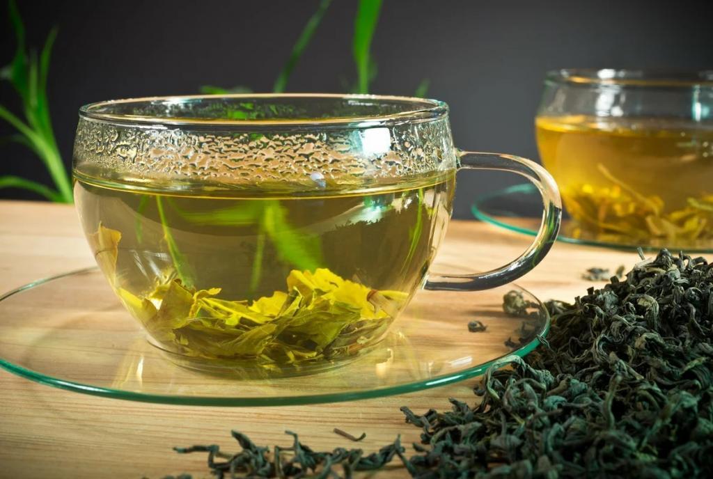 کاهش افتادگی سینه با چای سبز