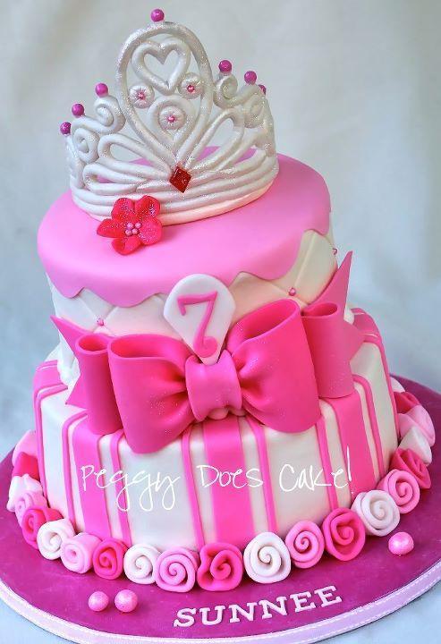 کیک تولد دخترانه شیک تاج دار