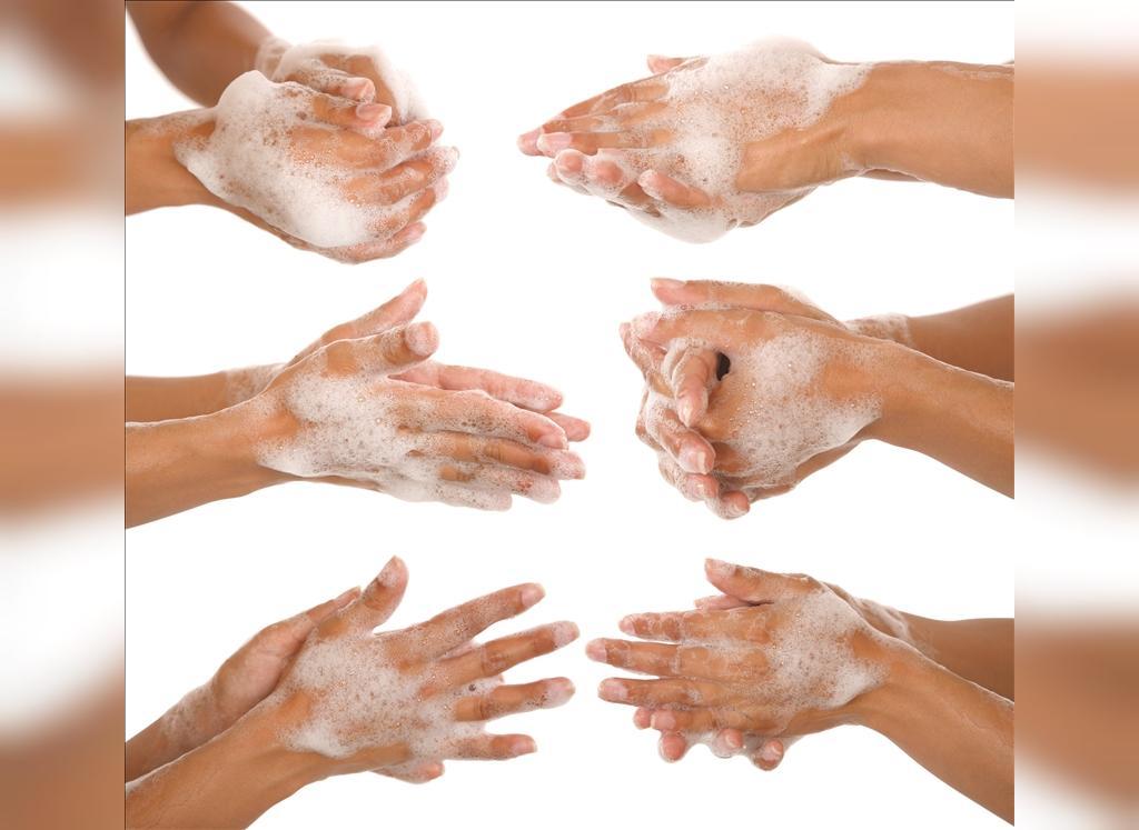 شستن دست از راه های پیشگیری از تبخال
