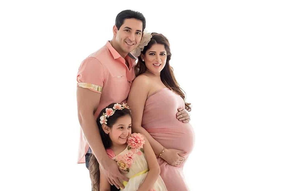 ژست عکس بارداری سه نفره خانوادگی