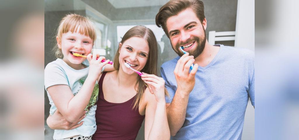 راه هایی برای تشویق کودک به مسواک زدن