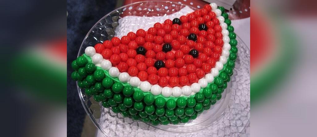 ایده تزیین ساده کیک شب یلدا برای نوزاد