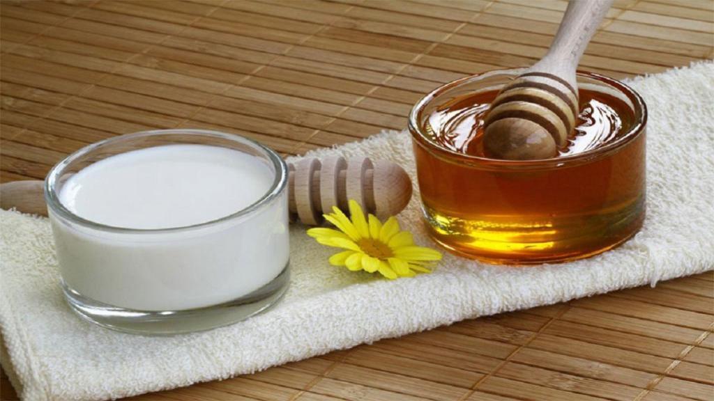 ماست و عسل: خواص بی نظیر ترکیب ماست و عسل برای سلامتی، پوست و عوارض جانبی آن