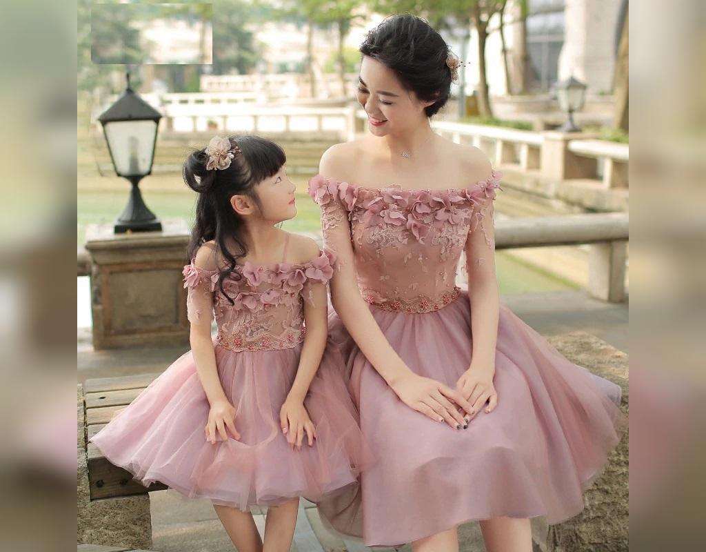 ست لباس مادر و دختر گلبهی رنگ و مجلسی