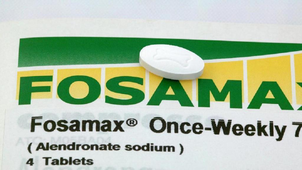 قرص فوزاماکس یا الندرونیت: موارد مصرف، روش استفاده، عوارض و تداخلات دارویی آن