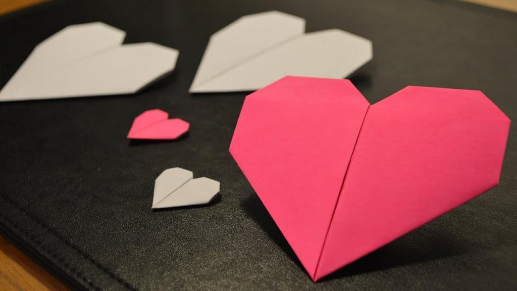 آموزش تصویری روش های ساخت قلب کاغذی اوریگامی و دو بعدی