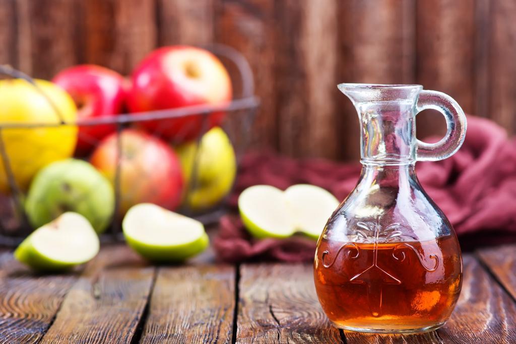 دلایل مفید بودن سرکه سیب برای بهبود مو