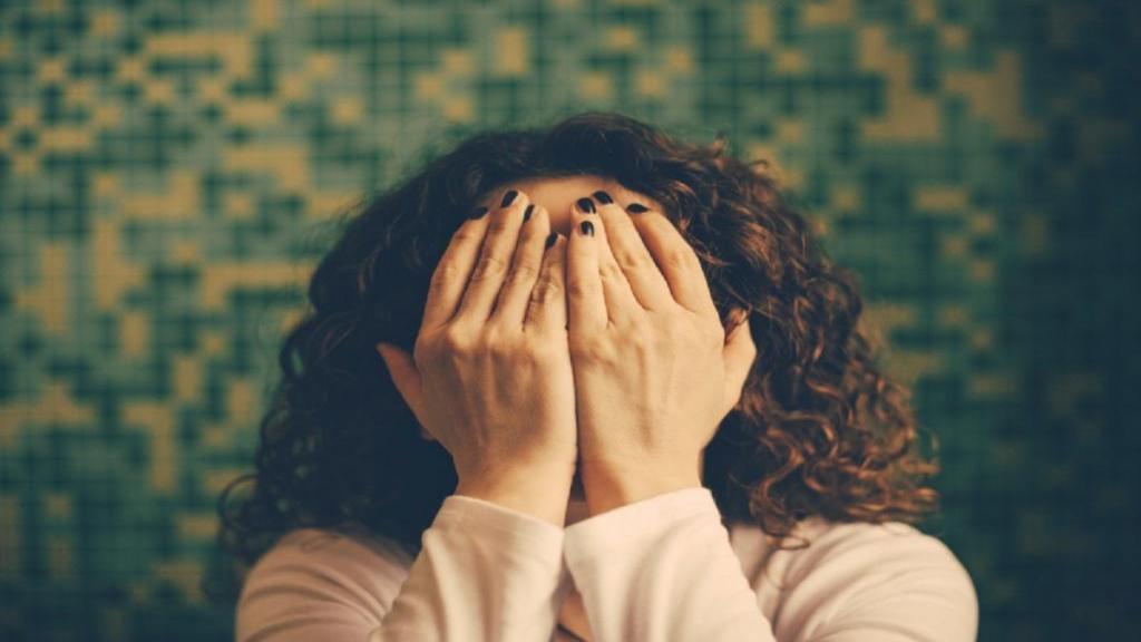 رفع تیرگی واژن با درمان های خانگی و طبیعی؛ خطرات و عوارض بلیچینگ واژن چیست؟