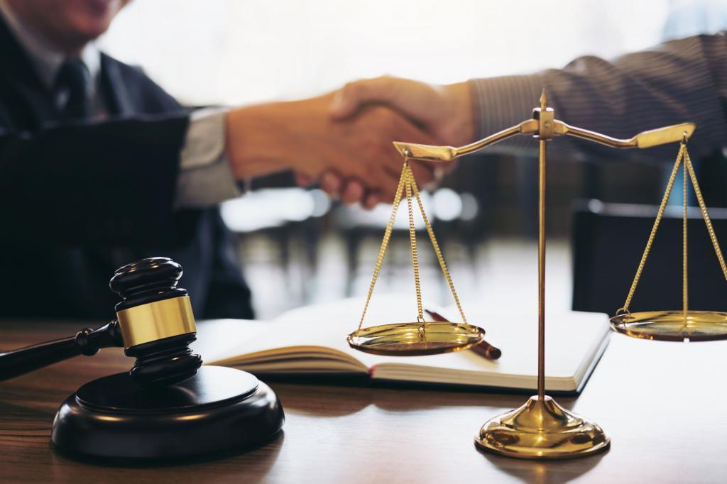 تبریک روز وکیل به دوست
