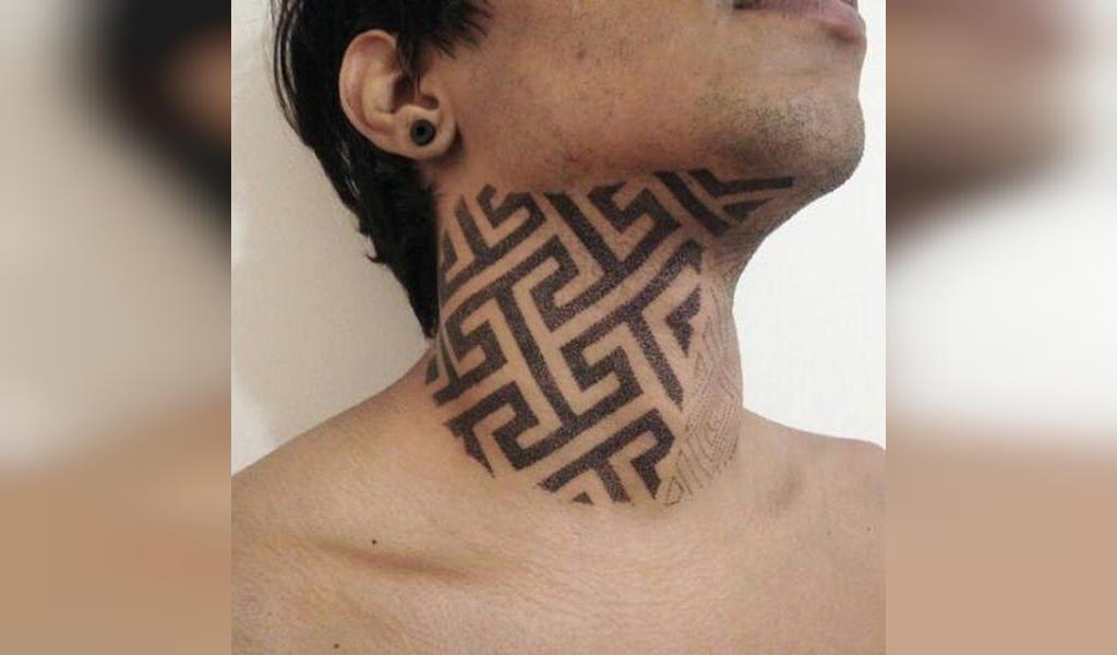 طرح تاتو گردن مردانه مینیمالی