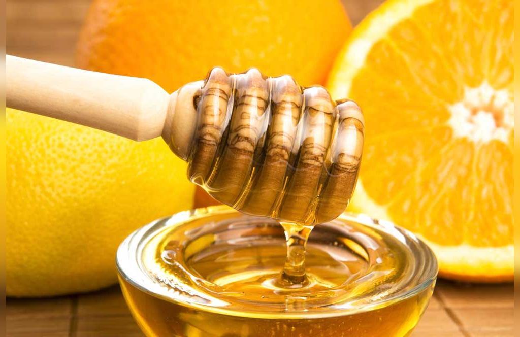 ماسک لیمو و عسل برای کاهش مجعدی موها