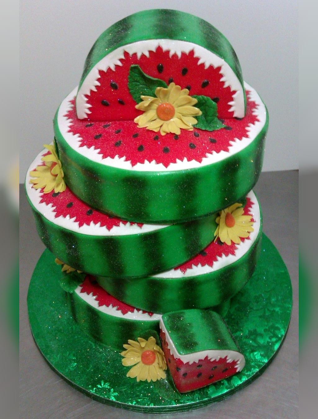 جدیدترین ایده تزیین کیک شب یلدا برای عروس
