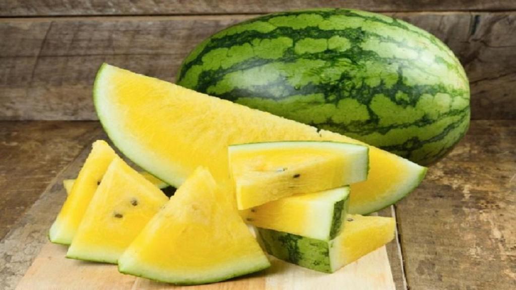 هندوانه زرد (آناناسی) چیست و چه فرقی با هندوانه قرمز دارد؟ + طریقه نگهداری و مصرف آن
