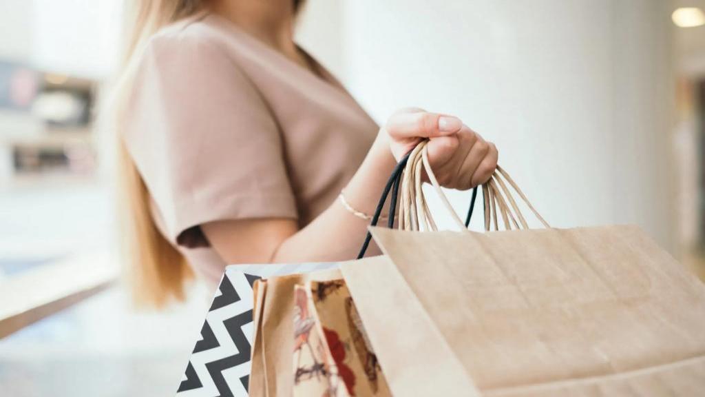 12 راهکار برای کمک به خانم های باردار جهت خرید لباس بارداری
