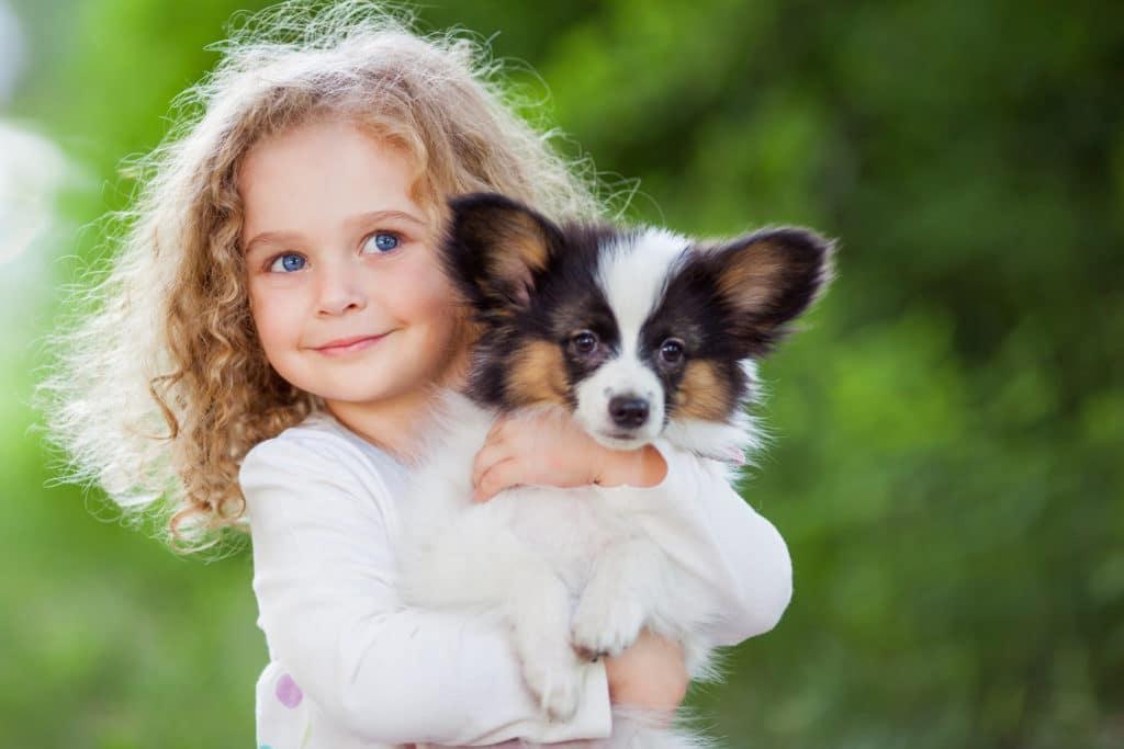 ژست عکس بچه ها با حیوانات خانگی