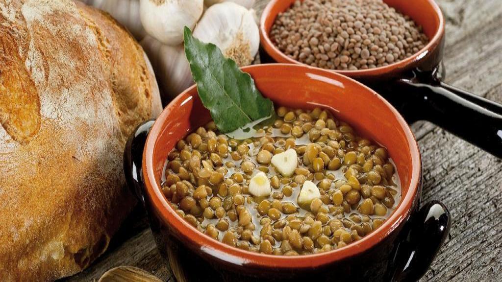 طرز تهیه عدسی خوشمزه و لعابدار برای صبحانه به سبک سنتی
