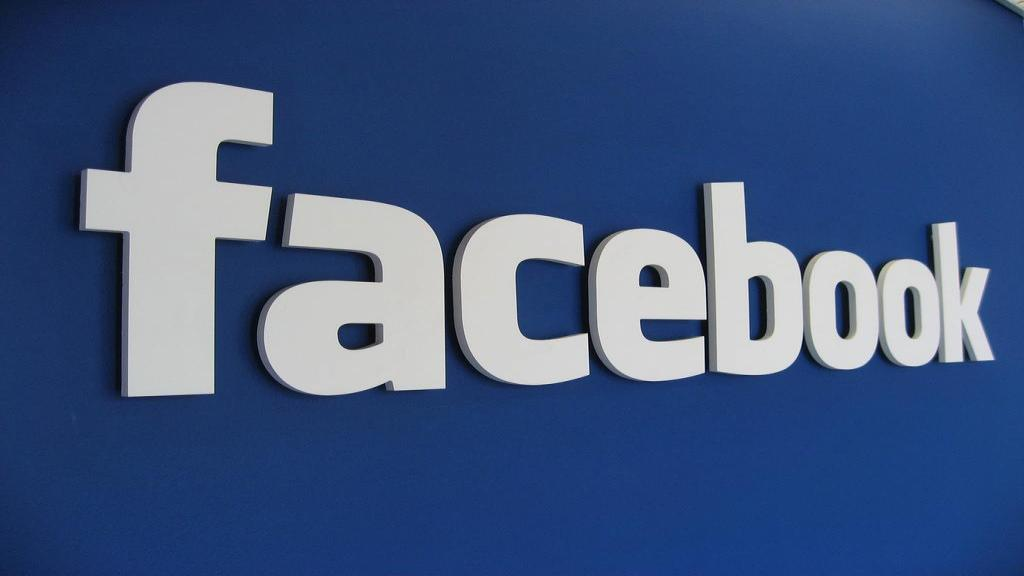 اموزش فیسبوک؛ روش گذاشتن پست، فیلم و پاسخ به درخواست دوستی در فیس بوک