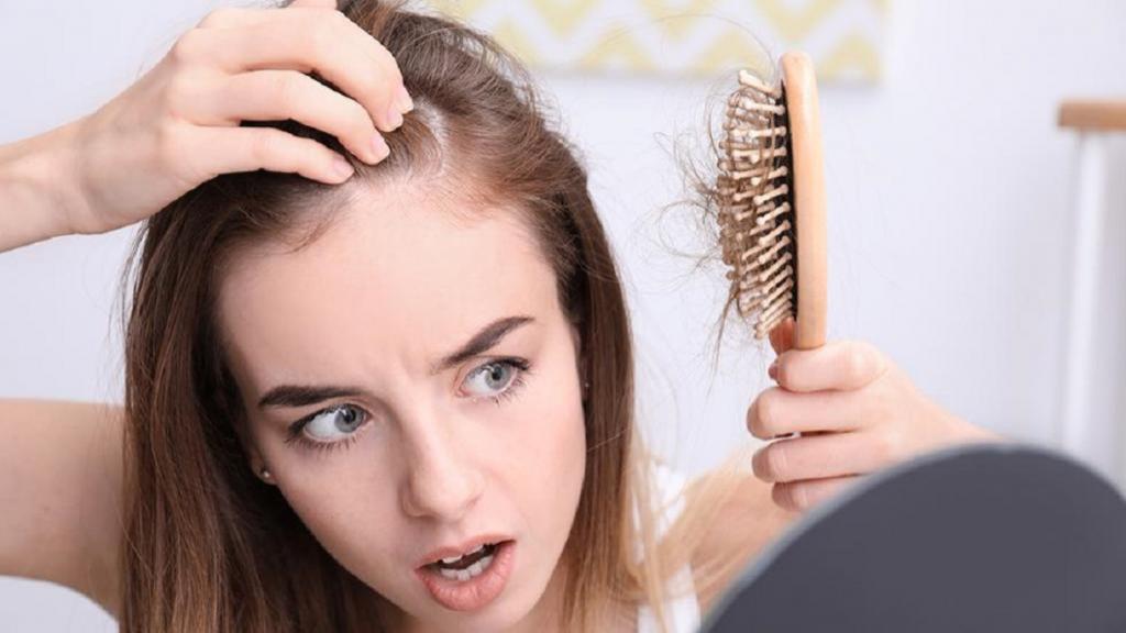 دلیل نازک شدن موی سر چیست و چگونه موهای ضخیم داشته باشیم؟