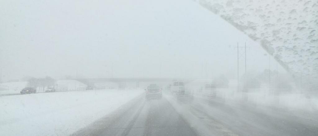 راه های جلوگیری از بخار شیشه ماشین در زمستان