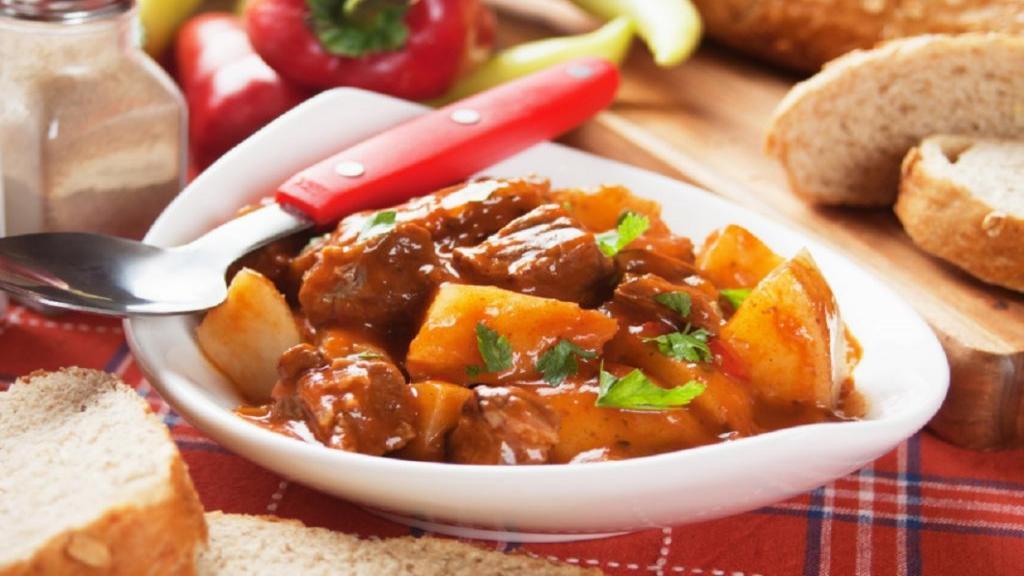 طرز تهیه خورشت کدو حلوایی خوشمزه و مجلسی با گوشت