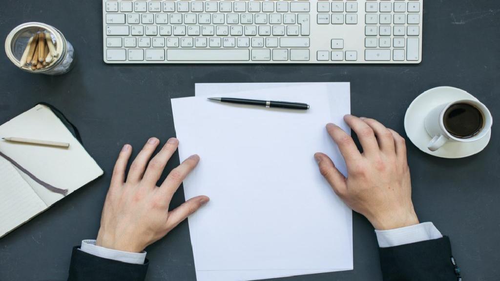 طرز نوشتن نامه اداری و چند نمونه متن نامه نگاری اداری درخواست